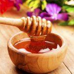 2 cách trị mụn cám siêu hiệu quả với mật ong